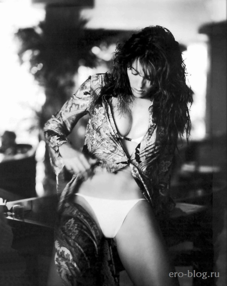 Элизабет Херли горячие интим фото