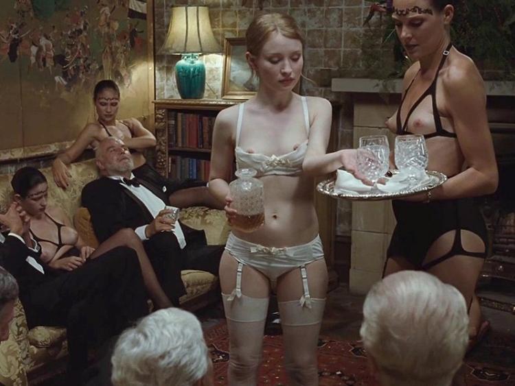 Эмили Браунинг горячие интим фото