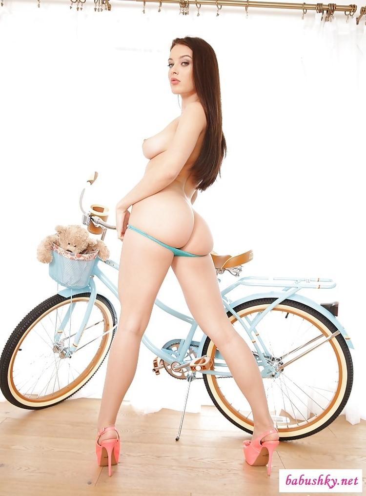 Американская порноактриса Амара Мейпл Лана Роудс горячие интим фото
