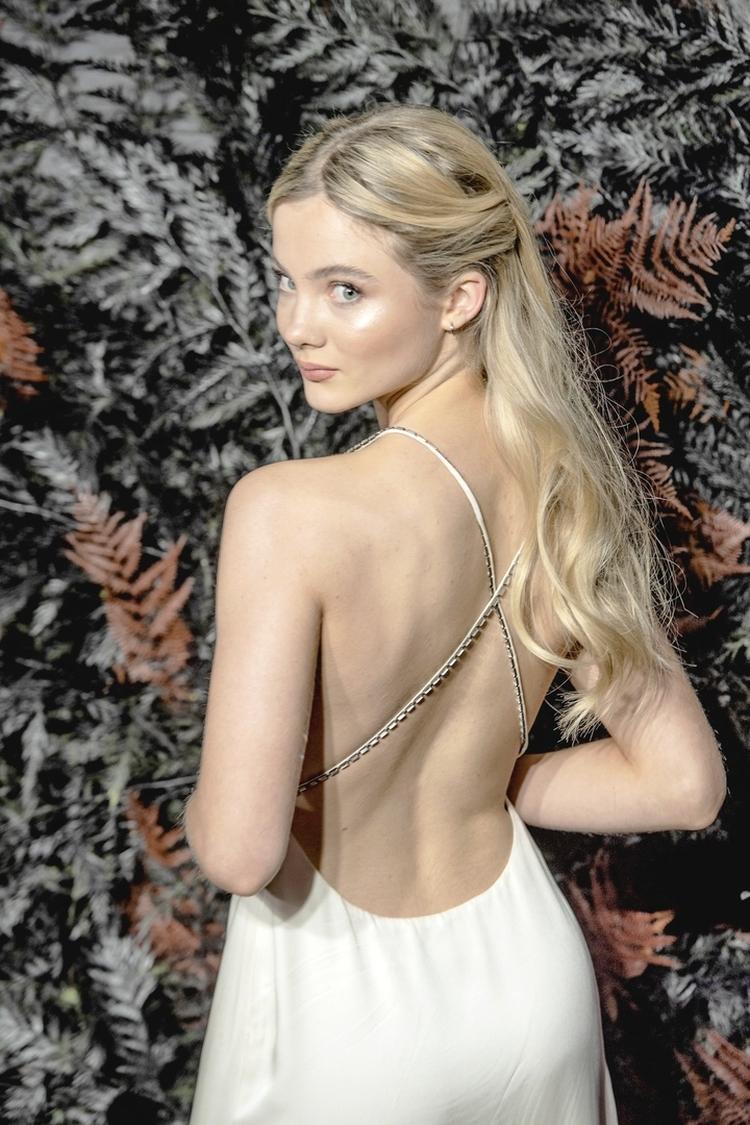 Английская актриса Цири из Ведьмака Фрея Аллан горячие интим фото