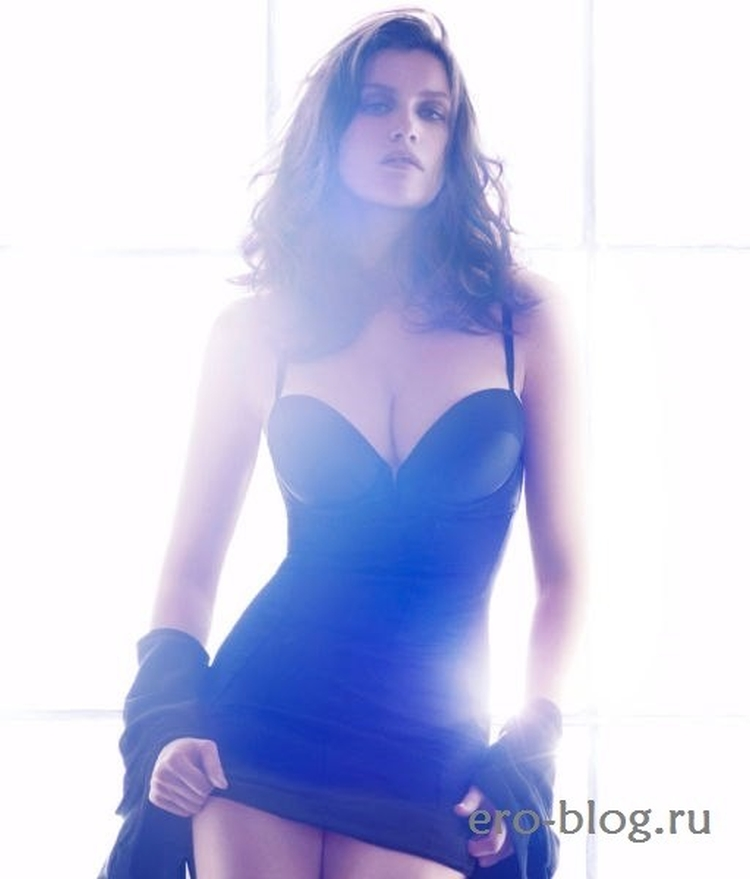 Французская супермодель и актриса Летиция Каста горячие интим фото