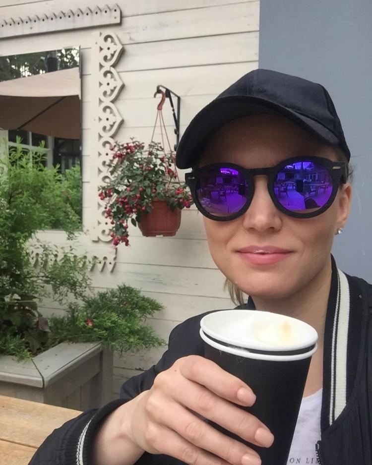 """Российская актриса из сериала """"Глухарь"""" и """"Интерны"""" Юлия Назаренко горячие интим фото"""