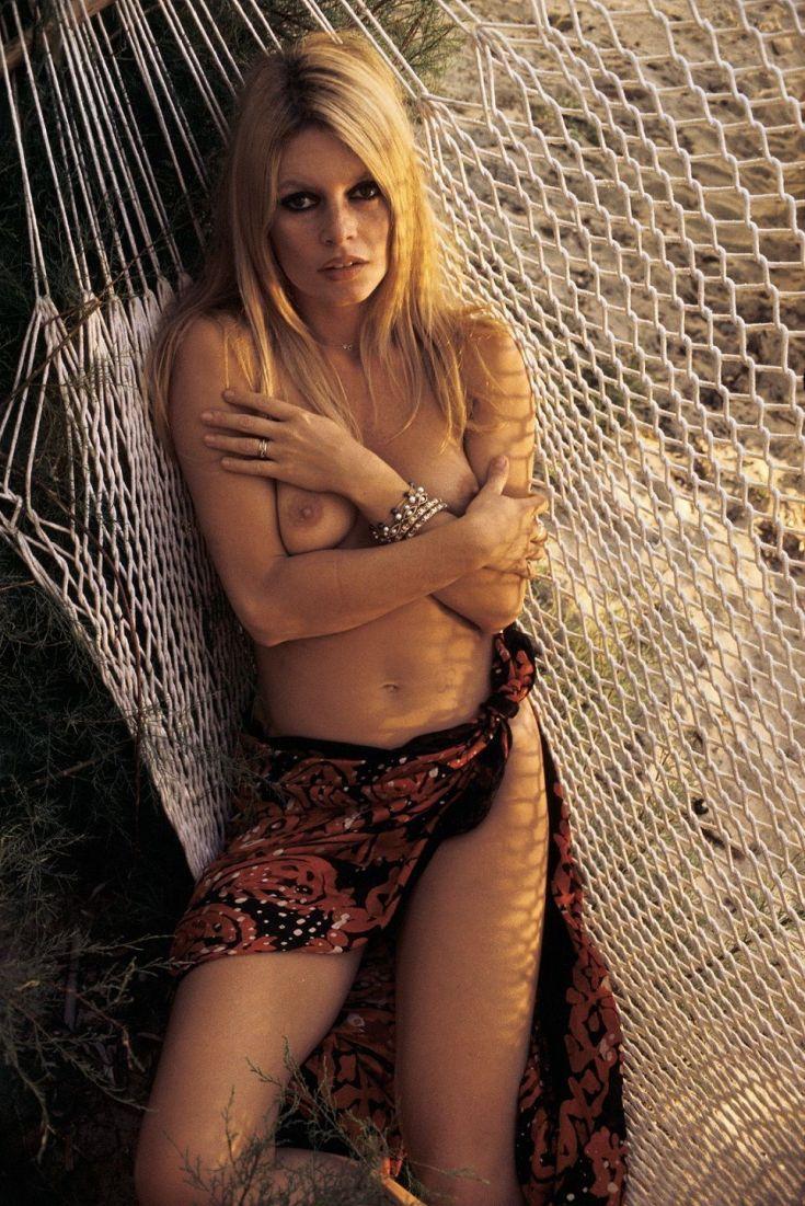 Французская актриса Брижит Бардо горячие интим фото
