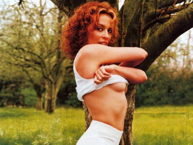 Австралийская певица Кайли Миноуг горячие интим фото