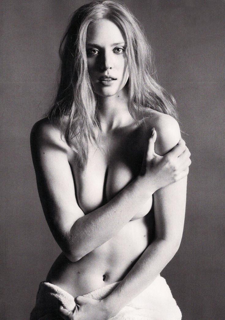 Американская актриса Дебора Энн Уолл горячие интим фото