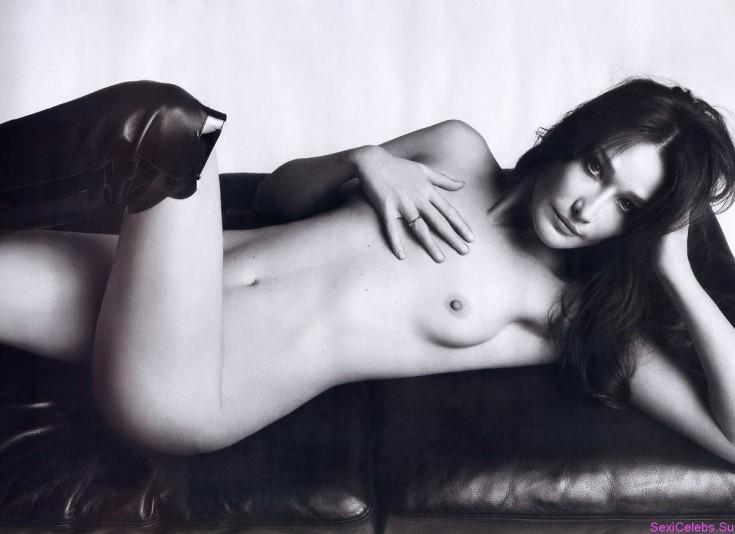 Третья жена президента Франции Николя Саркози Карла Бруни горячие интим фото