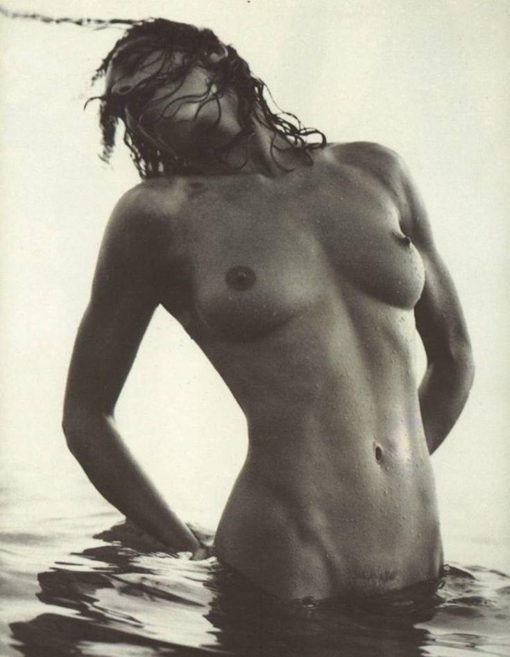 Датская модель Конни Нильсен горячие интим фото