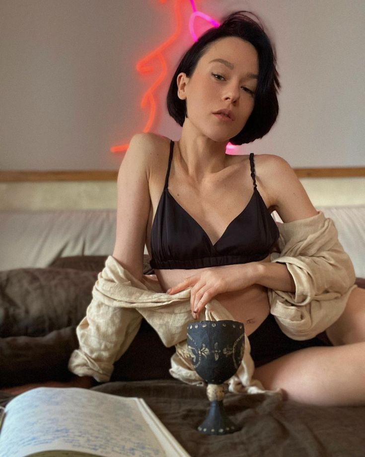 Певица IOWA Екатерина Иванчикова горячие интим фото