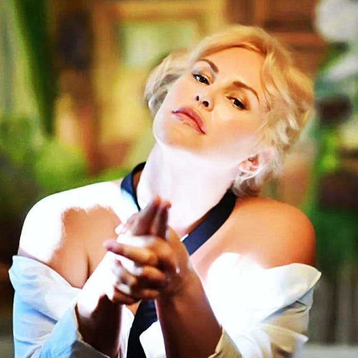 Слив фото Евгения Лютая актриса википедия горячие интим фото